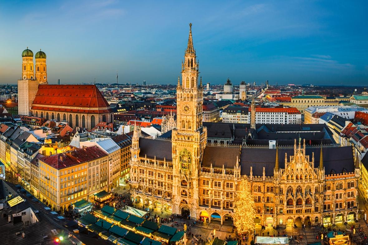 Marienplatz Weihnachtsmarkt.Marienplatz And Weihnachtsmarkt In Mnchen Complete Custom European